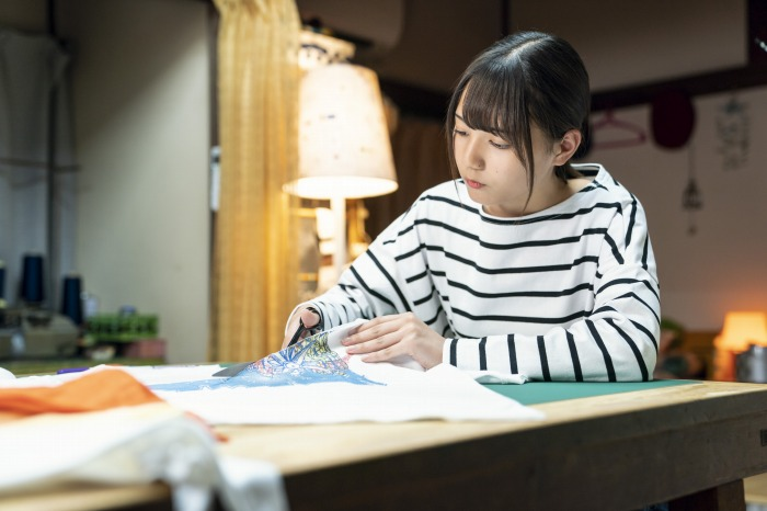 s-DASADA_最終話_小坂菜緒_02_裁縫_デザイン_ファッション