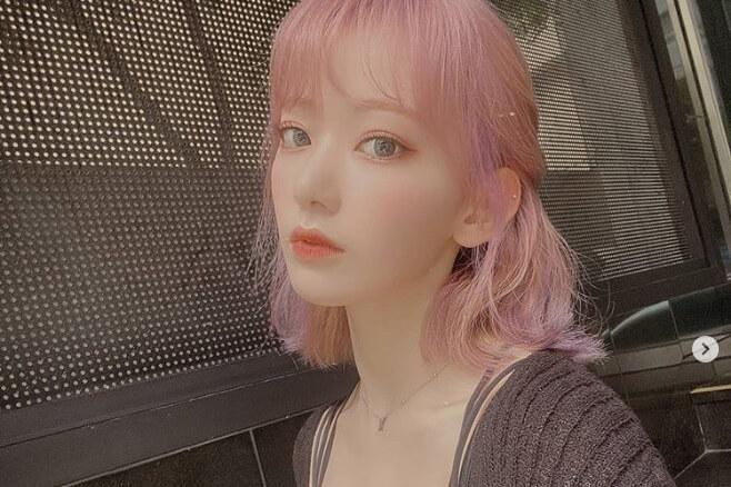 宮脇咲良_IZONE_紫ヘアパープルヘアカラーぶどうピンクイメチェン髪色