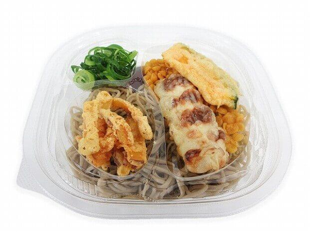 セブン-イレブン_野菜天とちくわ天の冷しぶっかけそば420円(税抜)