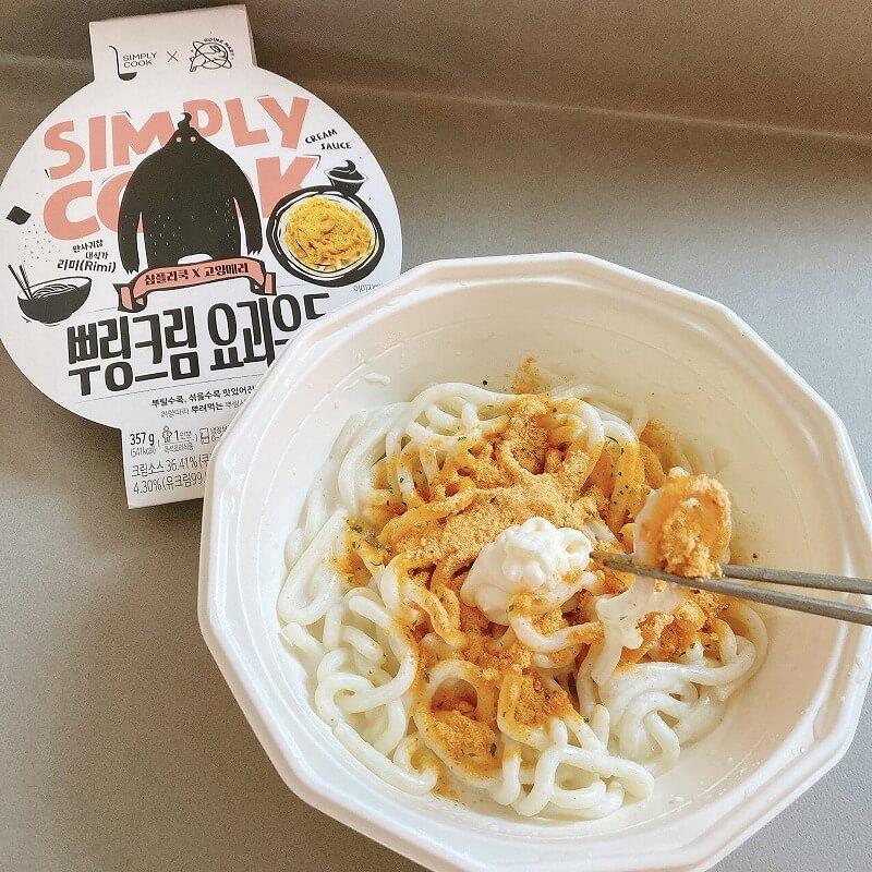 韓国_コンビニ_カップ麺_うどん_クリーム