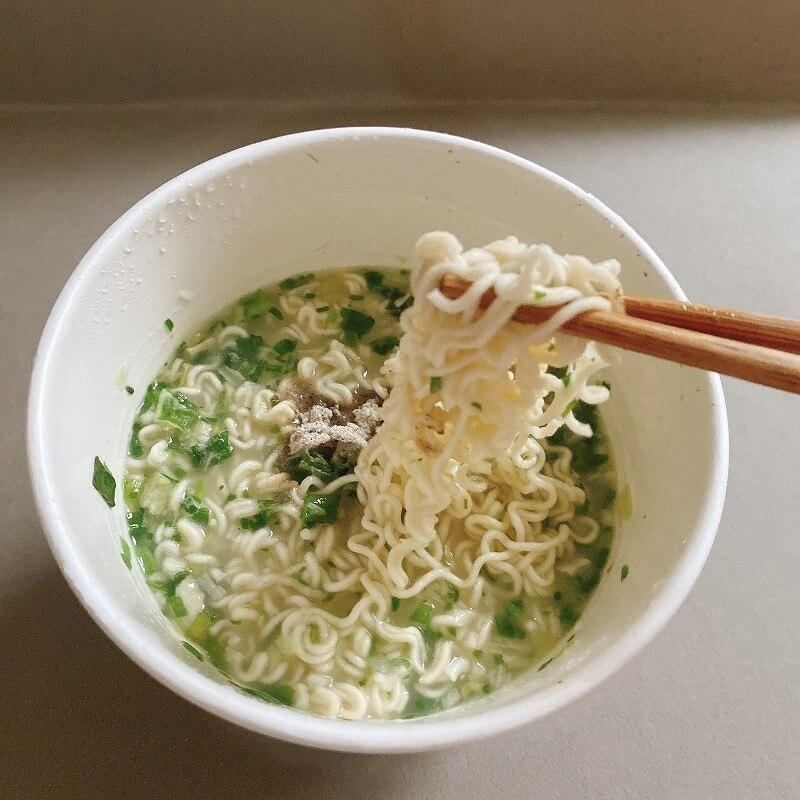 韓国_コンビニ_カップ麺_コショウ_ラーメン