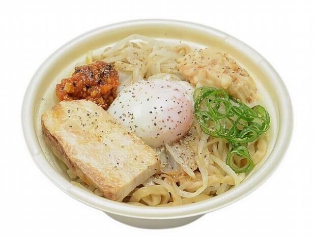 中華蕎麦とみ田監修豚まぜソバ 豚骨醤油味 550円(税抜)