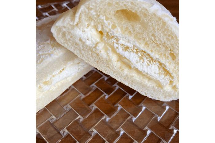 ファミリマート_雪見だいふくみたいなパン 135円(ファミリーマート通常価格・税抜)
